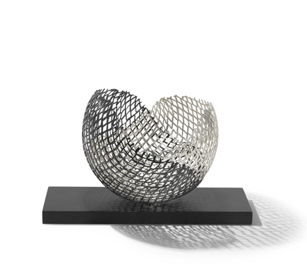 Anna Lorenz,  Embrace bowl, 2011. Collection: The Worshipful Company of Goldsmiths. Image © The Goldsmiths' Company.