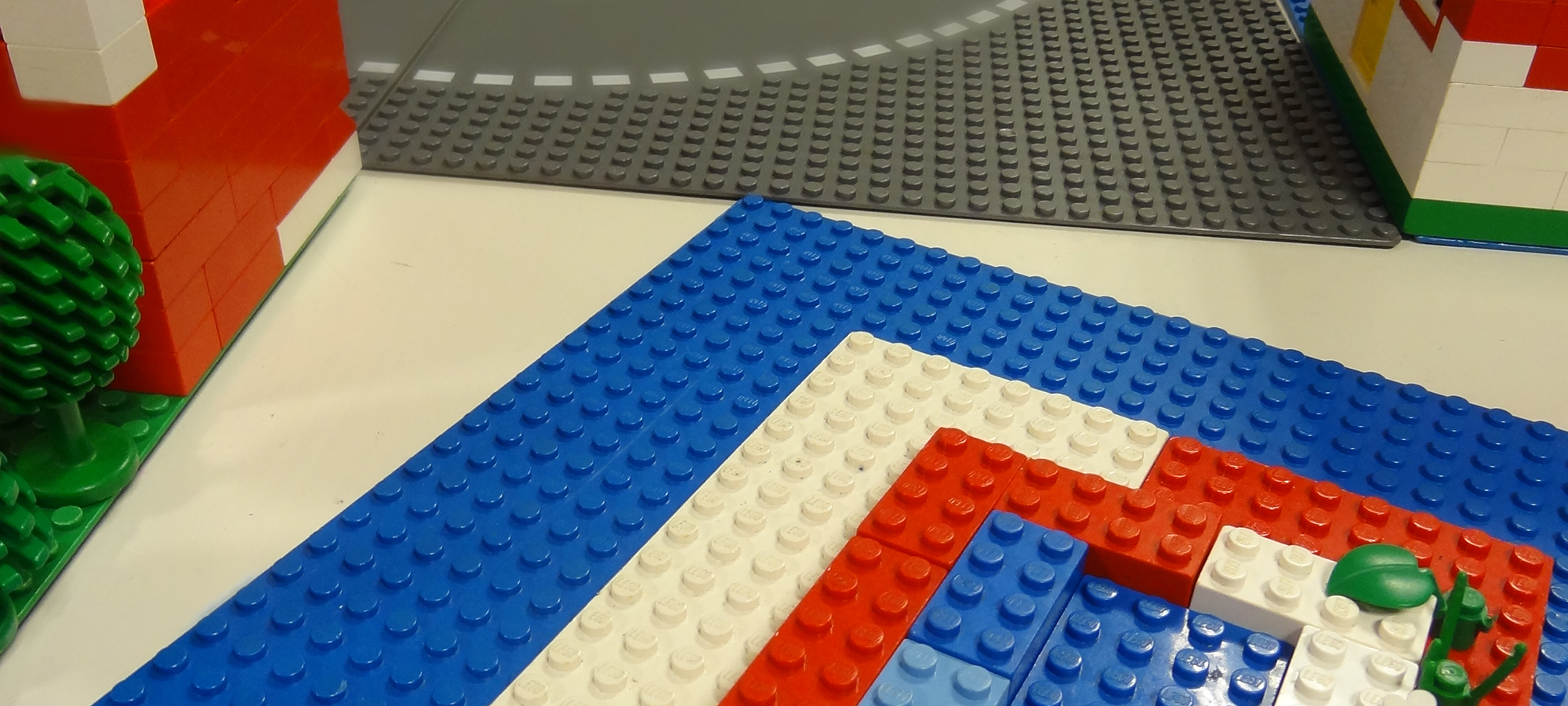 LEGO®on the Wall